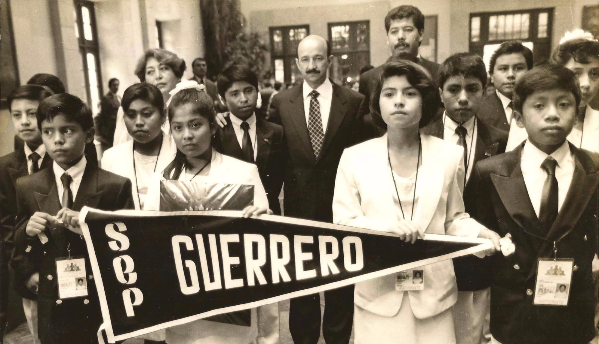 ganadores de la Olimpiada del Conocimiento Infantil Guerrero 1994
